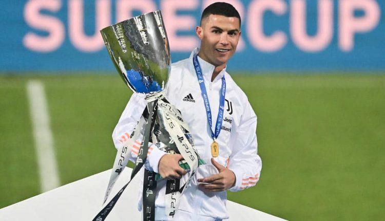 La Juventus Turin remporte la Supercoupe d'Italie contre Mertens et Naples, Ronaldo devient le meilleur buteur de l'histoire