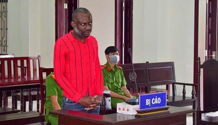 Ekwegbalu James Nzube, un trafiquant de drogue nigérian condamné à mort après un procès devant une cour au Vietnam