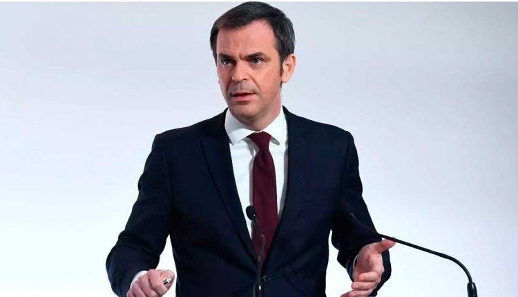 Olivier Véran lors d'une conférence de presse, le 4 mars 2021. © Alain Jocard/Pool via Reuters